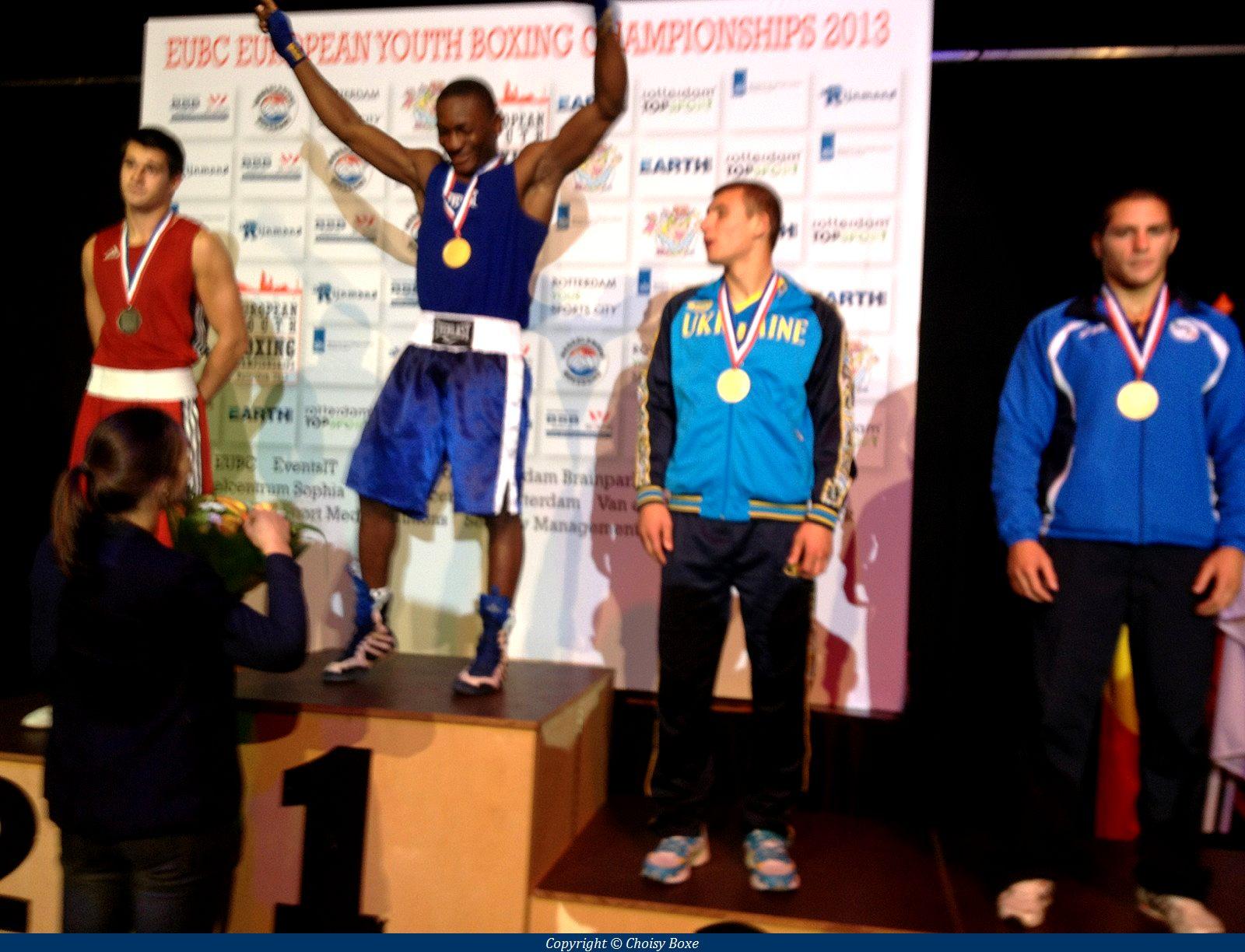 Le nouveau champion d'Europe amateur junior des poids moyens savoure sa victoire...