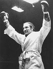 """L'ex-champion du monde argentin Nicolino Locche, """"El Intocable"""", un roi de l'esquive qui a hypnotisé le public."""
